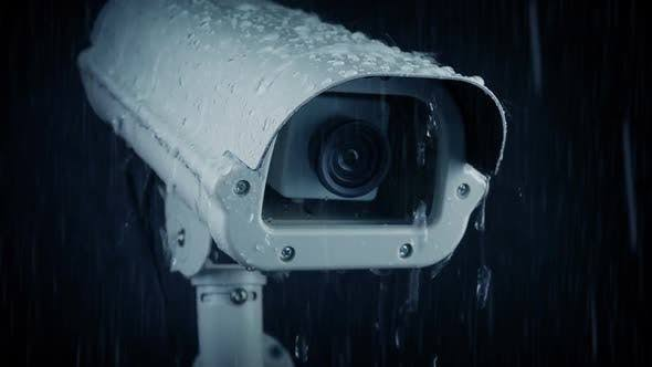 دوربین فضای باز در باران