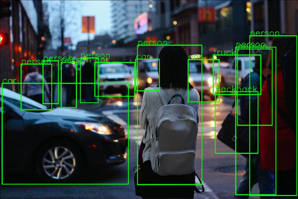 تشخیص افراد و خودرو ها با تشخیص اشیا