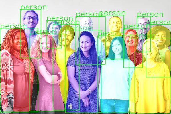 ناحیه بندی افراد در تصویر با mask rcnn